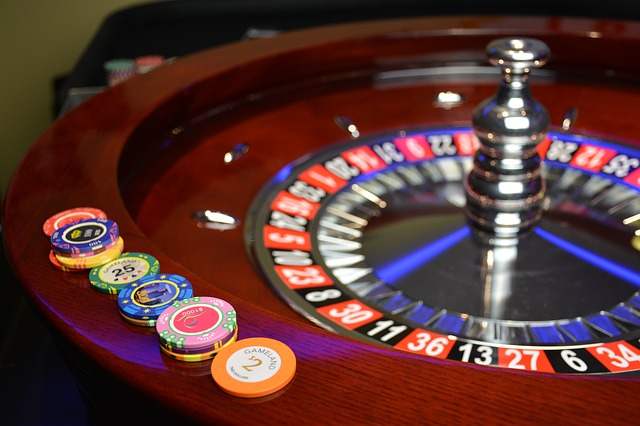 Tips and Tricks to Become Professional in Online Gambling