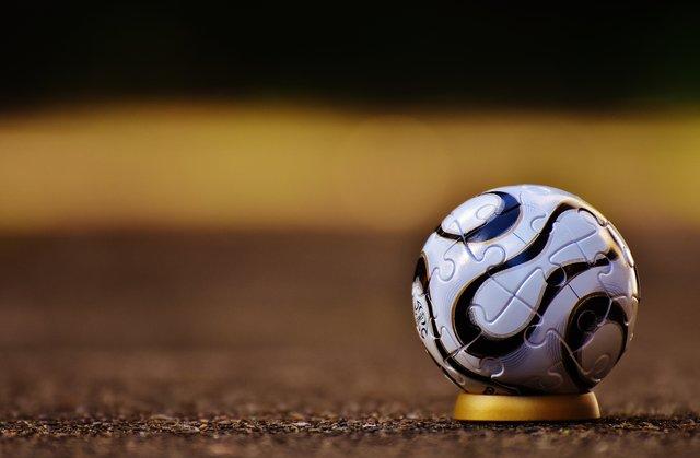 Important Football Betting Tips – Three Tips To Win Maximum Money!!!