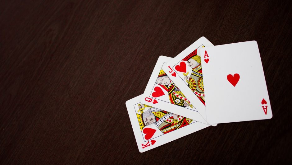 Is online gambling entertaining and worth considering?